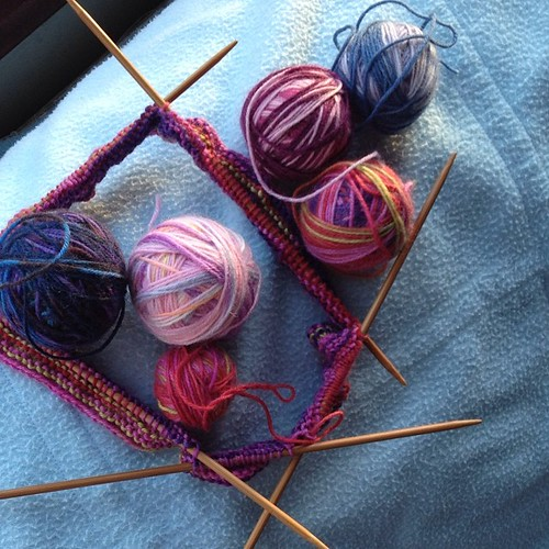 The beginning of a multicoloured cowl, using sock yarn leftovers #sock yarn #knitting #cowl