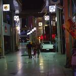 中央 歩くひとたち Okinawa-si, Okinawa Nikon New FM2 Nikon Ai Nikkor 50mm F1.4 Kodak Ultra Max 400 blogs.yahoo.co.jp/ymtrx79/32144040.html