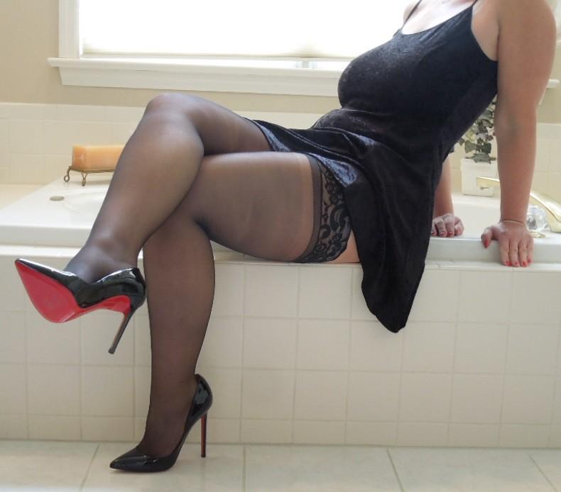 Little Black Dress  Milf, Heels, Stockings, Busty, Legs -8948