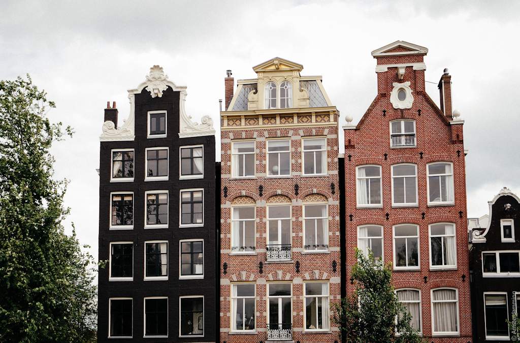 Amsterdam houses amsterdamming for Houses images pictures