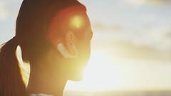 10_Xperia_Ear_Open_Style_Concept_Woman