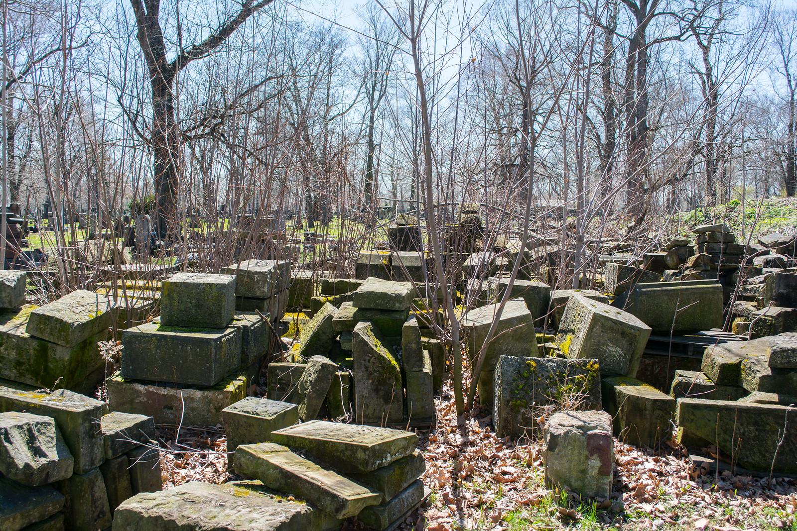 gatehouse stones 09 - Woodland Cemetery