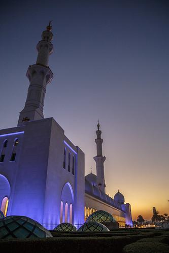 abudhabi unitedarabemirates ae sunset sheikh zayed grand mosque abu dhabi