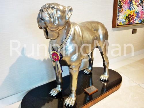 W Hotel Singapore 10 - Dog Sculpture
