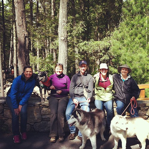 We had a great afternoon hiking with Scott & Julie Starling (visiting from Cali), Pat with Jack & Moo and Dee sans Tula.