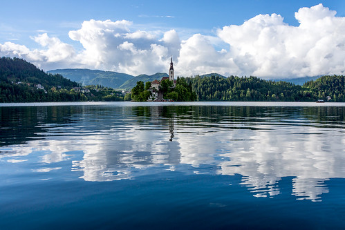 cloud lake reflection church island see kirche wolke insel slovenia bled marienkirche slovenija slowenien spiegelung reflektion blejskiotok 2013 blejskojezero bledersee dorenawm nex7