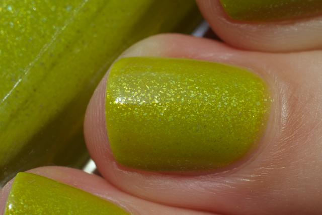 04-avon-divine-lime
