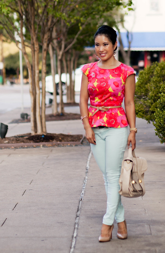 loft floral peplum top, mint skinny jeans, nude pumps outfit #ootd   petite fashion