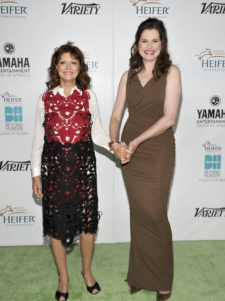 susan-sarandon-and-geena-davis-1379667152-view-0