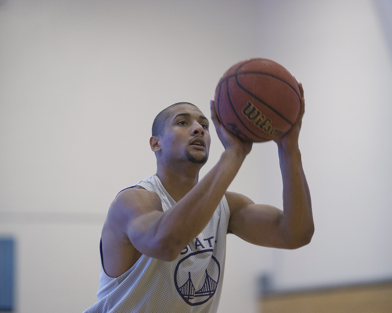 Erik Fearn shoots during practice on Tuesday, Oct. 15, 2013 at SF State. The Gators play their first game on Saturday, Nov. 2 against St. John's University in Queens, NY. Photo by Dariel Medina / Xpress