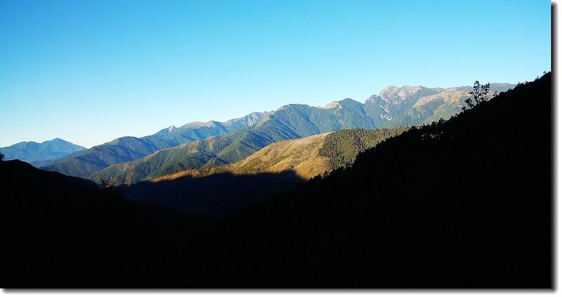710林道遙望雪劍、白姑