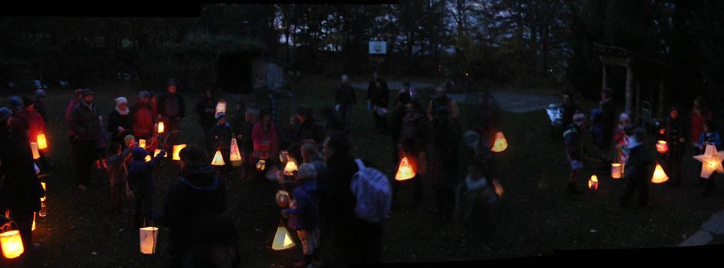 Lantern-Walk75