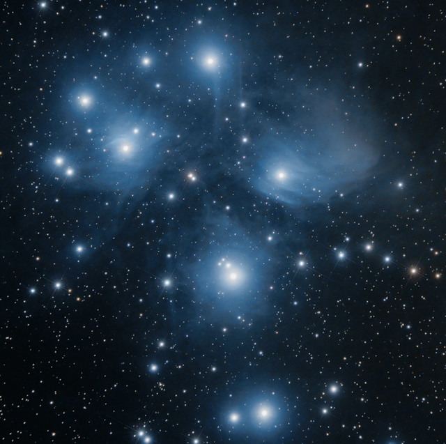 M45 The Pleiades. Lots of sisters :)