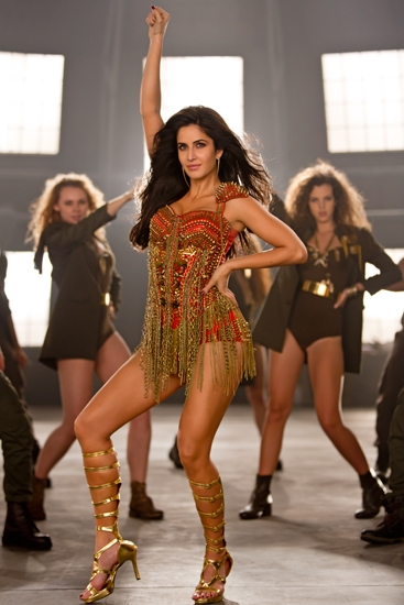 Katrina Kaif in Dhoom 3 – Sexy, Strong, Dominating | The ...
