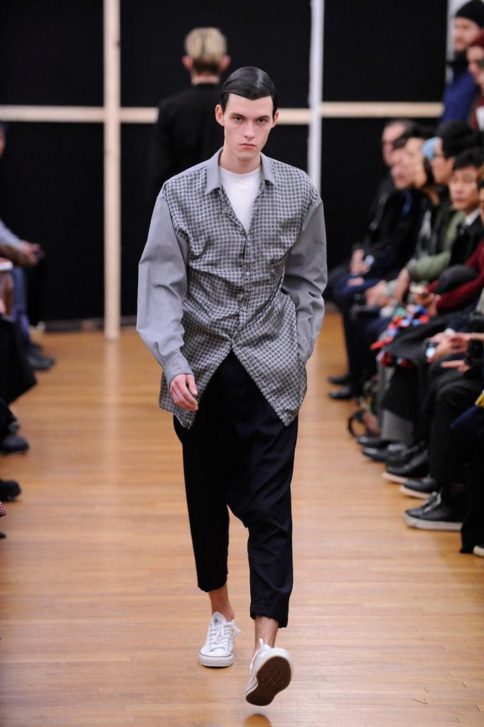 Adam Abraham3071_FW14 Paris Comme des Garcons Shirt(Style.com)