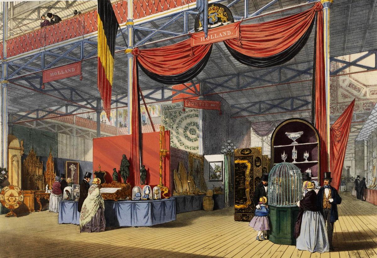 Holland section. Visitors are examining stalls showing goods of Dutch deisgn. © Victoria and Albert Museum, London