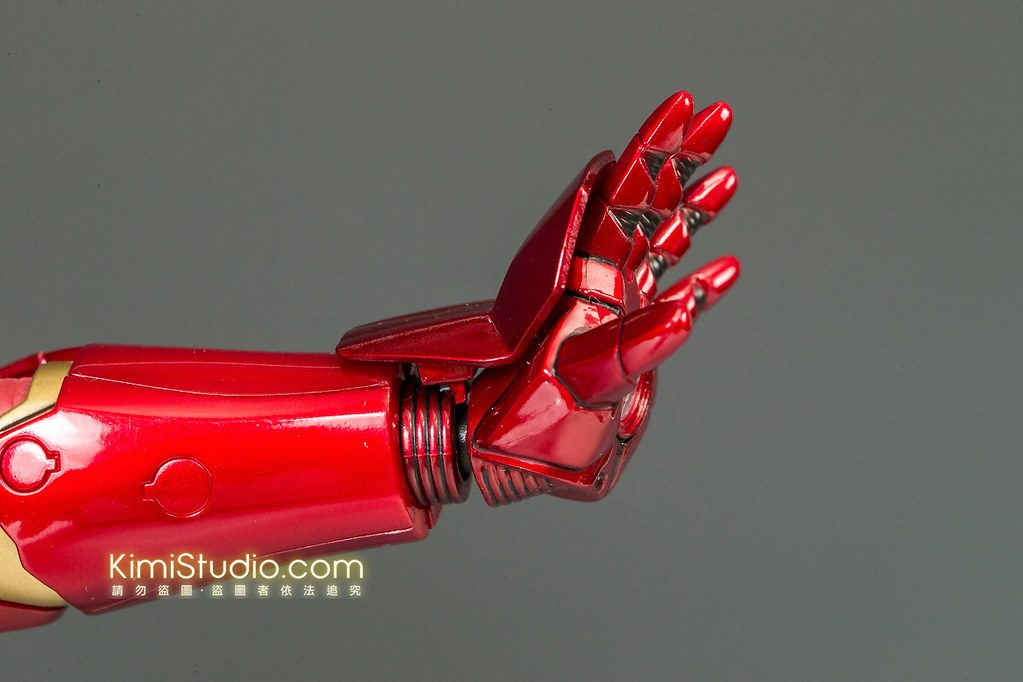 2013.06.11 Hot Toys Iron Man Mark VII-039
