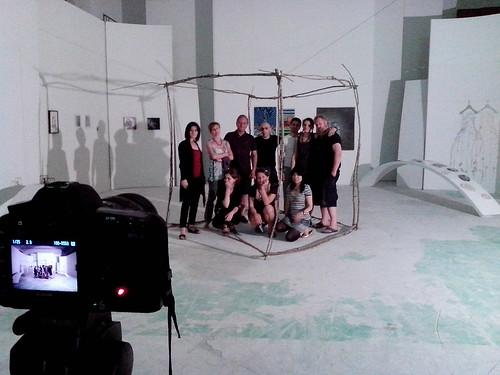 La foto di gruppo alla Hole di Studio Expo by Ylbert Durishti