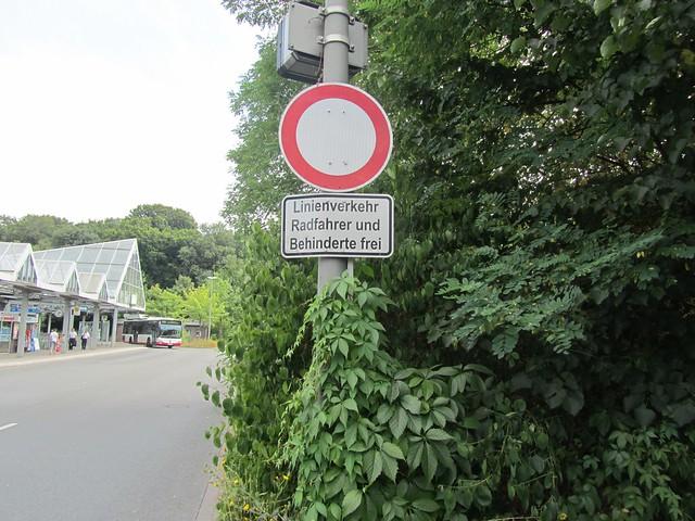Linienverkehr, Radfahrer und Behinderte frei