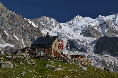 mountains alps alpes schweiz switzerland suisse suiza sac glacier berge hut alpen svizzera gletscher alpi wallis cabane valais zinal anniviers zinalrothorn clubalpinsuisse hütte viertausender schweizeralpenclub arpitetta arpitettaz nikond3100 vichiesso