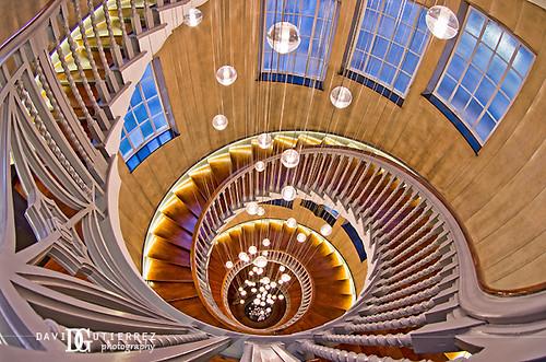 London, Down the Spiral by david gutierrez [ www.davidgutierrez.co.uk ]