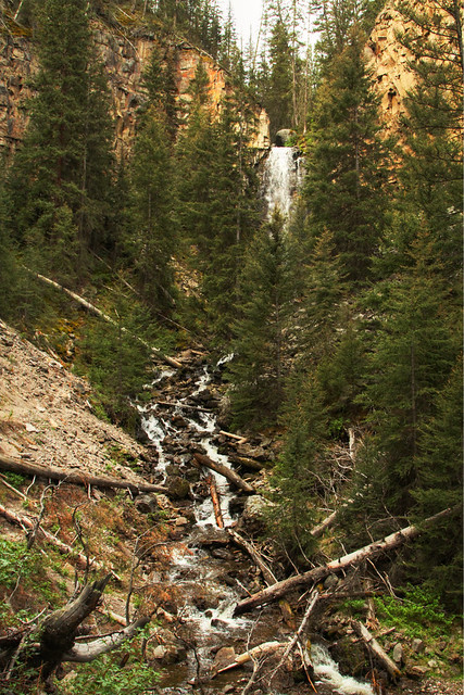 Lost Creek Falls Trail: Short Trail to Solitude