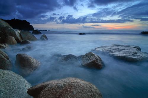 longexposure sunset seascape beach rock bay day cloudy malaysia kuantan pahang southchinasea pantai teluk telukcempedak telukchempedak pahangdarulmakmur pantaitelukcempedak nabilishes nabilza cempedakbay