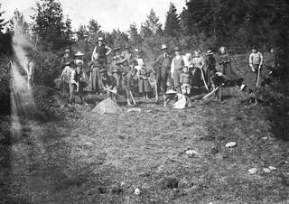 Skogplanting ved Byåsen skole (ca. 1910 - 1920)