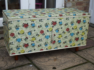 Wonderful Mid Century Padded Blanket / Quilt Box Shabby Chic !  £3 Car Boot Sale Find Summer 2013