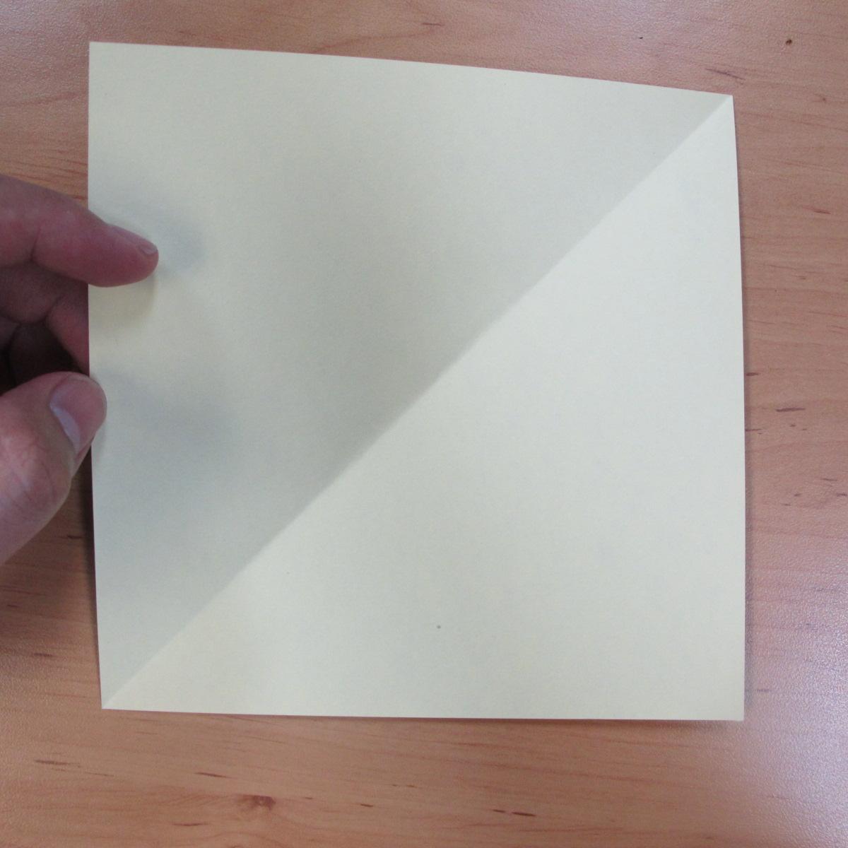 วิธีพับกระดาษเป็นดอกกุหลายแบบเกลียว 001