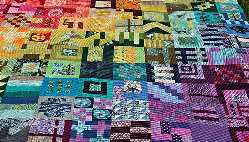 "City Sampler quilt ""Unlocked"""