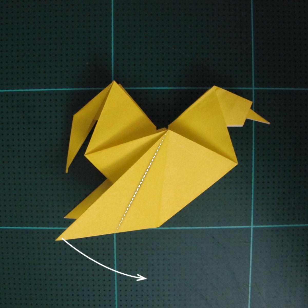 การพับกระดาษเป็นรูปไก่ (Origami Rooster) 008