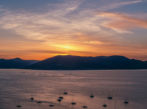 sunset sea seascape mountains clouds landscape scotland scenery argyll yachts gourock wispy schottland settingsun holyloch ecosse scozia stronepoint cowalpeninsula firthoftheclyde canonpowershotsx50hs