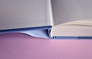 David Levithan, ogni giorno. Rizzoli 2013. Progetto grafico di copertina © Adam Abernethy. Taglio inferiore (part.), 1