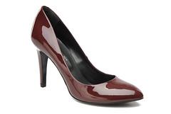heel(0.0), textile(0.0), brown(0.0), limb(0.0), leg(0.0), human body(0.0), suede(0.0), basic pump(1.0), outdoor shoe(1.0), footwear(1.0), shoe(1.0), high-heeled footwear(1.0), maroon(1.0), leather(1.0),