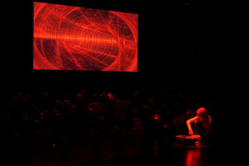 Fredrik Olofsson - A study in red