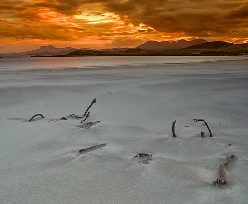 Red Dawn.  Mellon Udrigle. by jimlaide