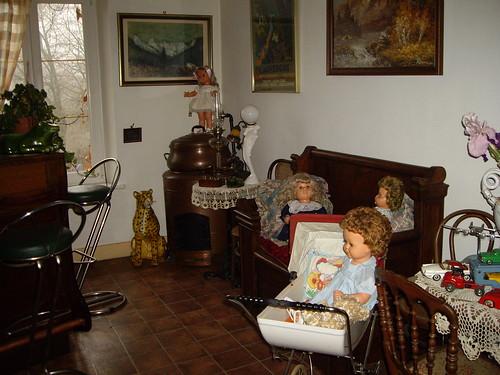 Les poupées de ma maison  11367815066_f1872413bd