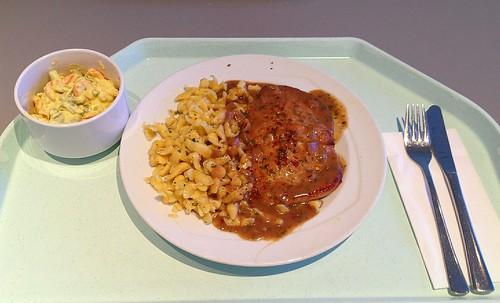 Schweineschnitzel mit Kräuterrahmsauce & Spätzle / Pork schnitzel with herb cream sauce & spaetzle