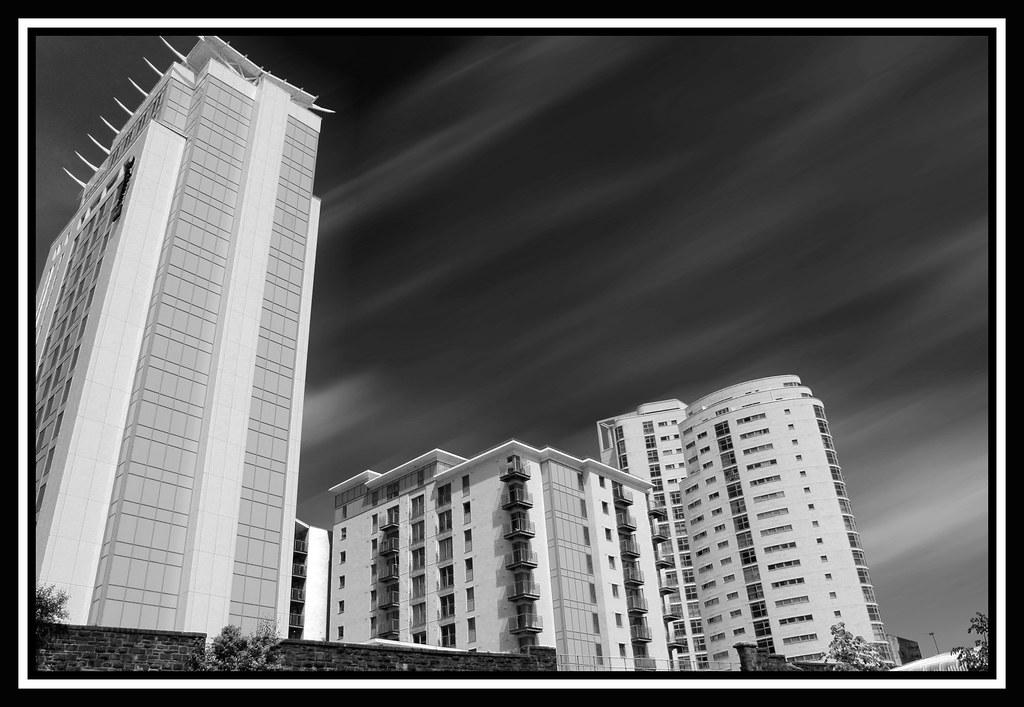 Cardiff City Centre Mono