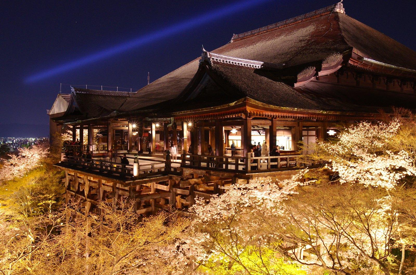 清水寺 夜の特別拝観 2014春  Kiyomizu Temple