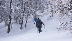 Podejście do schroniska Rif. F. Chabod 2750m. Intensywne opady śniegu.