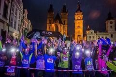 Sobotní Night Run v Hradci Králové v retro stylu