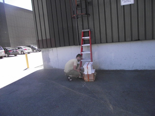 getting the hive ready to lift