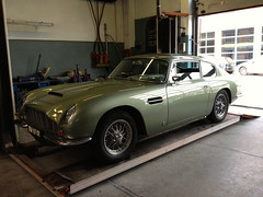 aston martin v8(0.0), aston martin vantage(0.0), aston martin db5(0.0), convertible(0.0), automobile(1.0), vehicle(1.0), aston martin db4(1.0), aston martin db2(1.0), performance car(1.0), automotive design(1.0), antique car(1.0), classic car(1.0), land vehicle(1.0), coupã©(1.0), sports car(1.0),