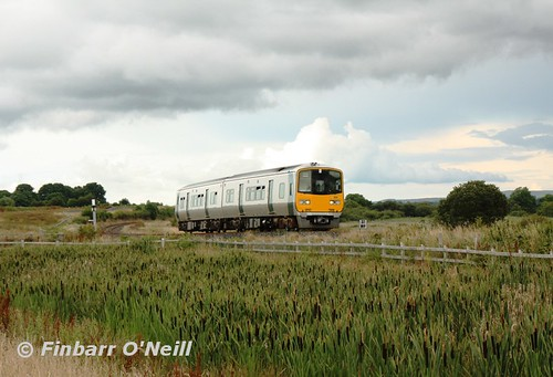 ireland 2811 irish train silver diesel rail railway trains railcar commuter railways irishrail 2800 countygalway dmu 2812 dieselmultipleunit tubber railtravel 2013 multipleunit railtransport iarnródéireann irishrailways mp37 2800class tokyucar finbarroneill tokyucarcorporation ié2800class ie2800class irishrailwaynetwork finnyus