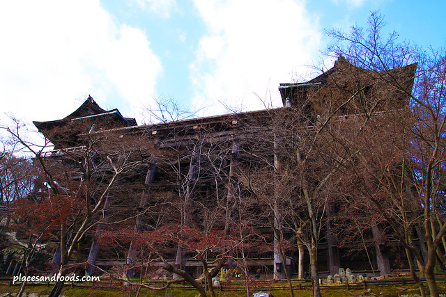 Kiyomizudera (清水寺)Temple bottom view