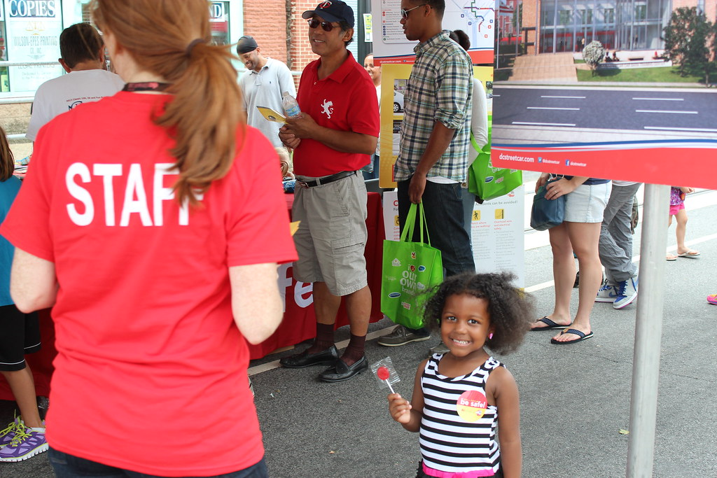 Even kids were excited about the DC Streetcar.