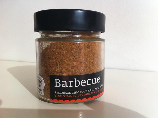 Barbecue rubbing salt