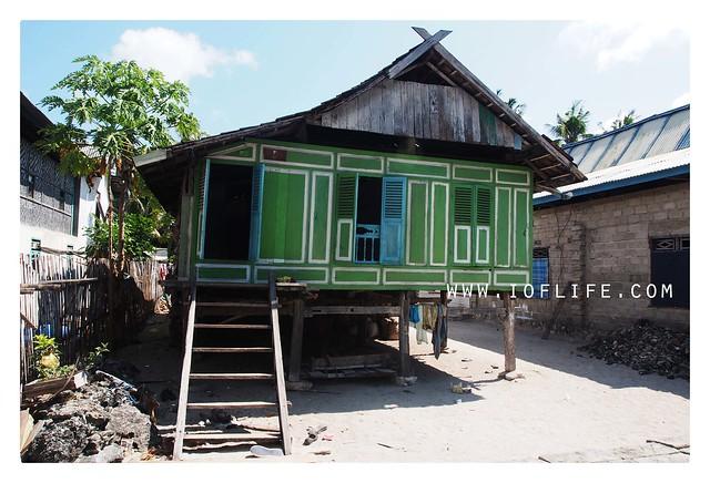 rumah adat di Pulau liukang1